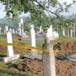 BiH: Kopajući mezar preminuloj ženi pronašli skelet  