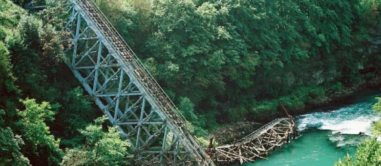 Uprkos naporima ljekara preminuo 37-godišnji muškarac koji je  pao sa mosta u Jablanici