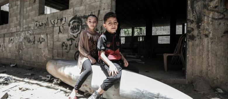 Tužna svakodnevnica u Palestini: Mališani sjede na projektilima koji nisu eksplodirali