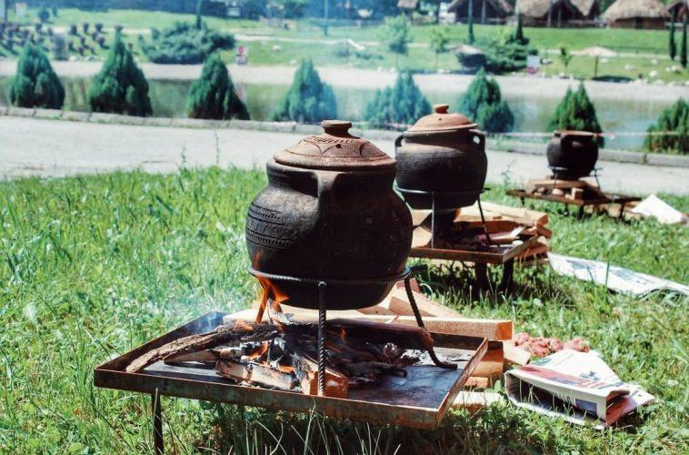 Sutra na Panonici: Takmičenje novinara u kuhanju bosanskog lonca