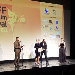 "Na repertoaru film ""10 u pola"": Večeras zatvaranje Tuzla Film Festivala i dodjela nagrada"